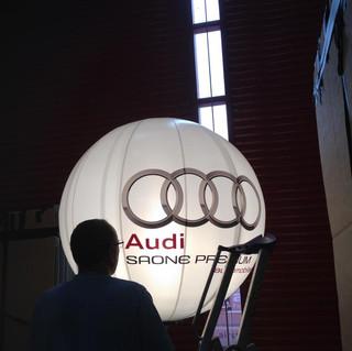 Ballon eclairant Audi