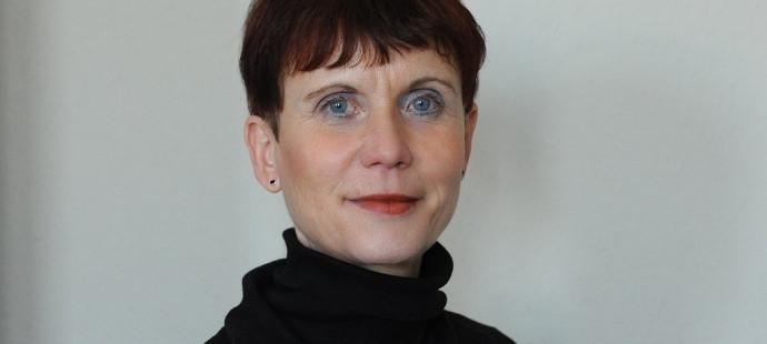 Astrid Brenk Kabarett Theater Distel im DIE MITTE Interview