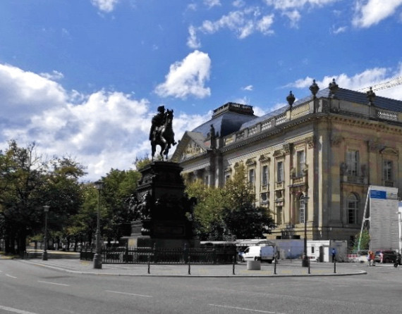 Staatsbibliothek Unter den Linden - DIE MITTE eV Berlin