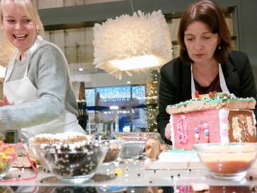 Weihnachtsbäckerei in der Miele Gallery zugunsten der Galilei Grundschule