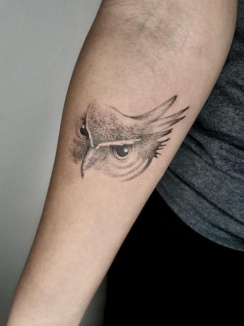 Tatuagem em técnica pontilhismo