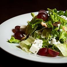 Салат с цыпленком и виноградом