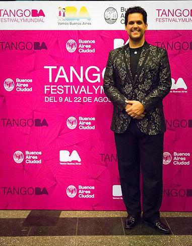 Tango BA Gabriel Mores 1.jpg