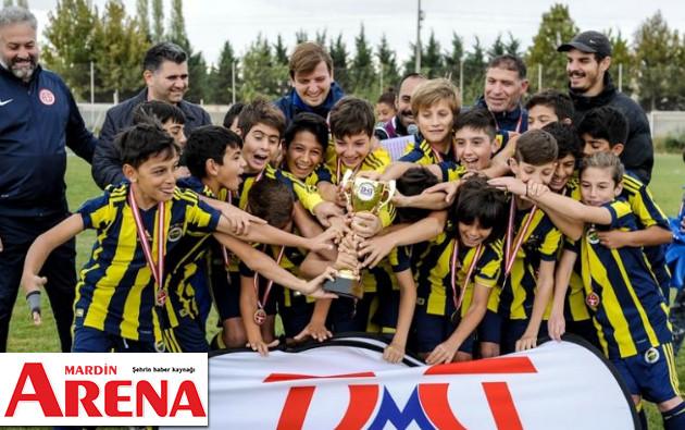 Kapadokya Cup Şampiyonları kupa kaldırdı haberi