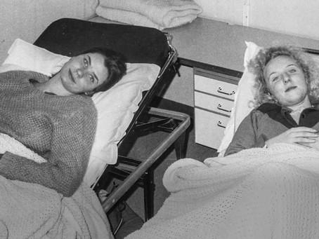 Две шведки ищут в Мурманске моряков, которые спасли их в 1984 году