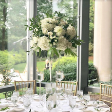 Green and White centerpiece.png
