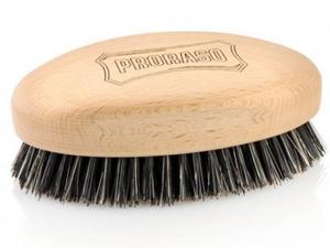 מברשת איכותית לזקן עשויה עץ טבעי, אידאלית לטיפוח זקן, שיער ואפילו מעולה לשפם שלך. המברשת מלטשת ומטהרת את עור הפנים משאריות ומשקעים של פסולת, לכלוך, ותאי עור מתים ומשפרת את מרקם הזקן בזכות פעולת הפוליש הייחודית של שיערות המברשת. פעולת ההברשה מסייעת בהחדרת השמנים הטבעיים שמופרשים בעור בצורה אחידה לכל אורך השיערות ובשכבות העמוקות ביותר של הזקן