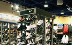 Champs Center Court Shoe Wall