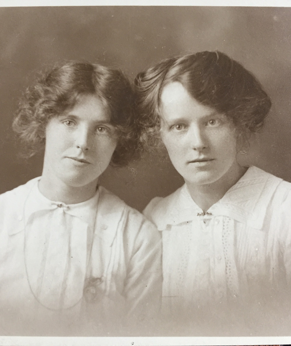 Lily (Anna in the book) on the left