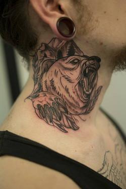 Bear Neck
