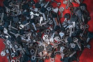 keys-background-black-761149.jpg
