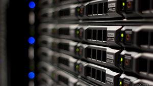 datacenter-servers-3840x2160-003.jpg