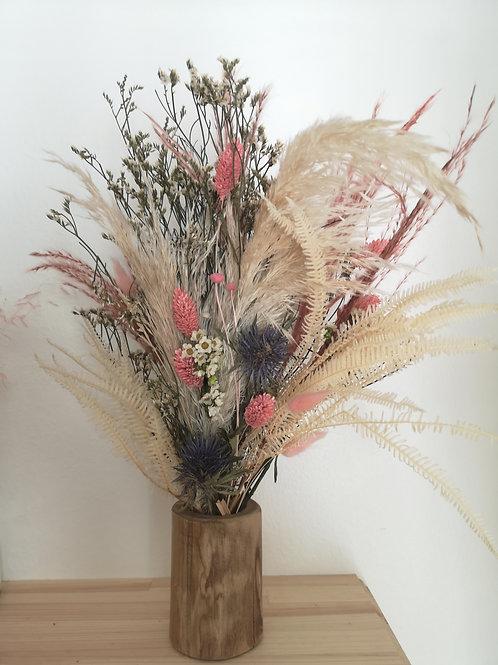 Bouquet rose et son vase bambou