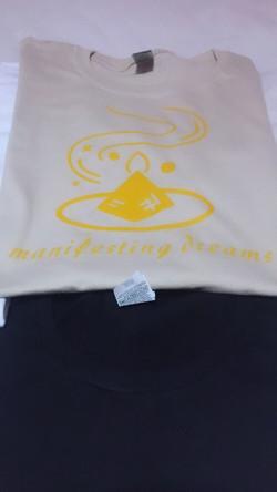 manifesting dream tee