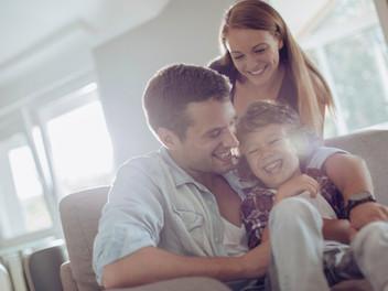 La importancia del sentido del humor en el hogar