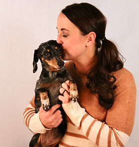 Dr. Jenny Janitell and her dachsund, Jersey.
