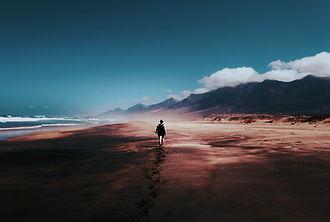 alone-beach-blue-skies-934718_edited.jpg