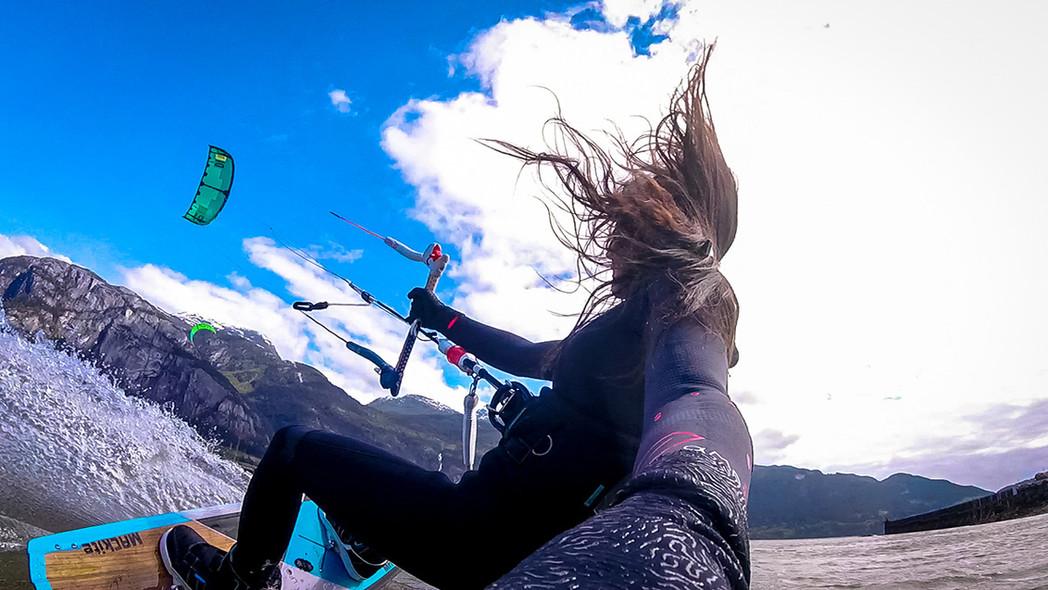 kiteboarding-squamish-the-spit-mac-kite-