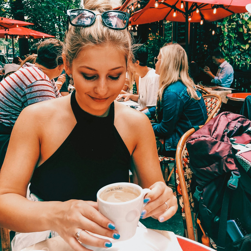 guide to outdoor cafes in Paris