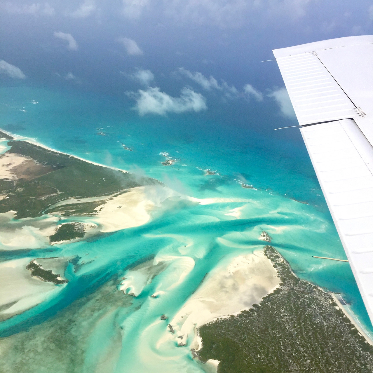 flying tips for the best way to travel nassau