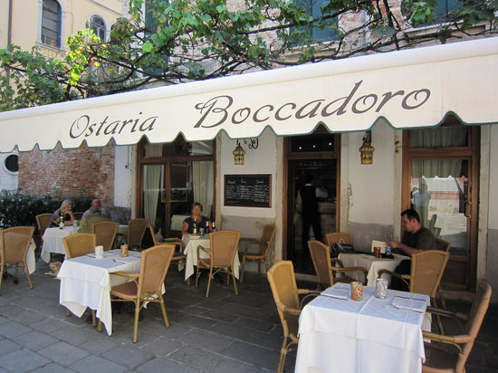 best outdoor restaurants in Venice