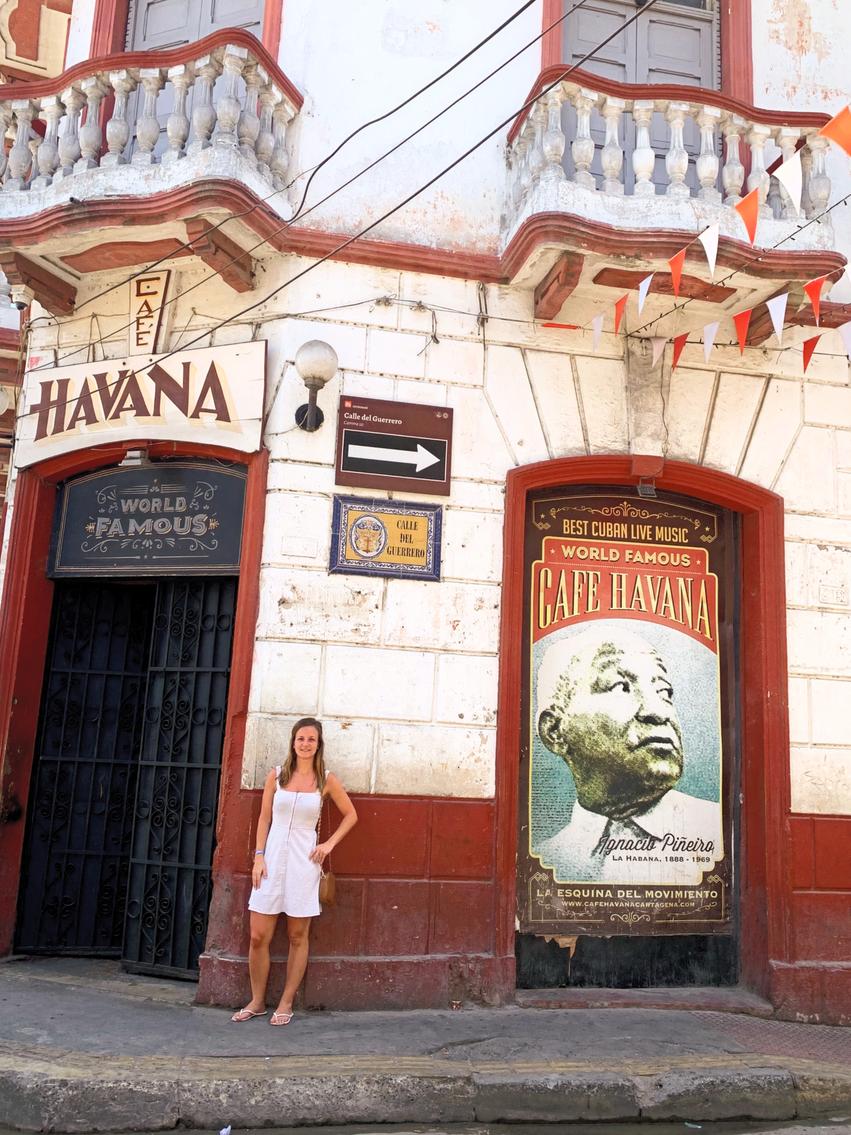 women in Cafe Havana in Columbia travel guide