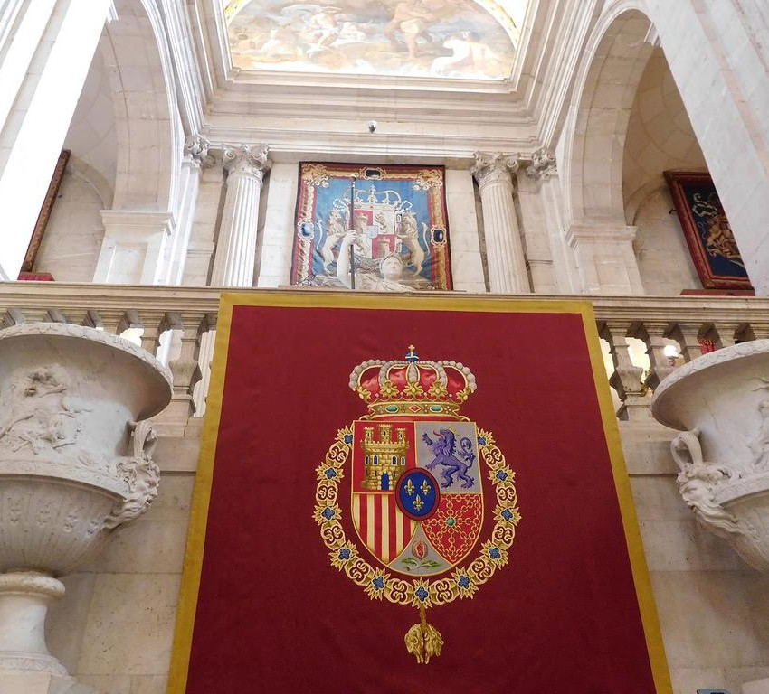 tips for visiting the royal palace in madrid spain