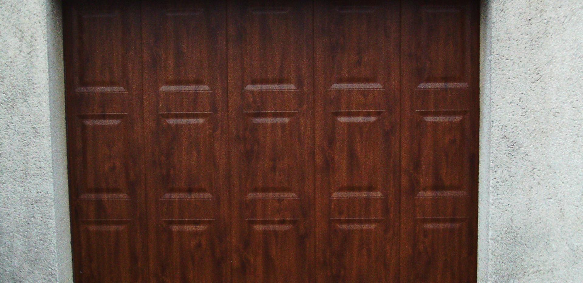 Porte de garage avec casette