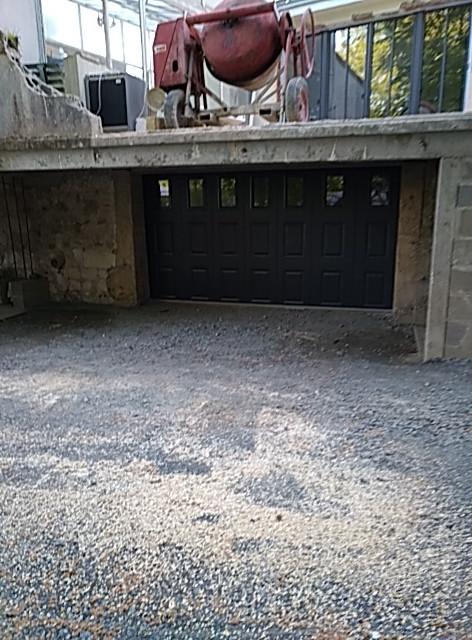 Porte de garage à casette à Gennes