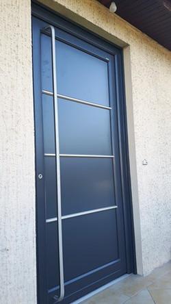 Porte d'entrée Aluminium Modéle : AT