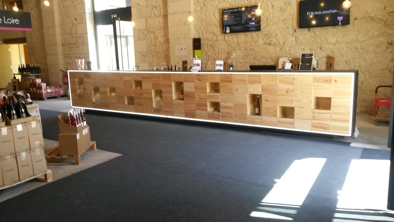 Accueil / Bar à dégustation à Saumur