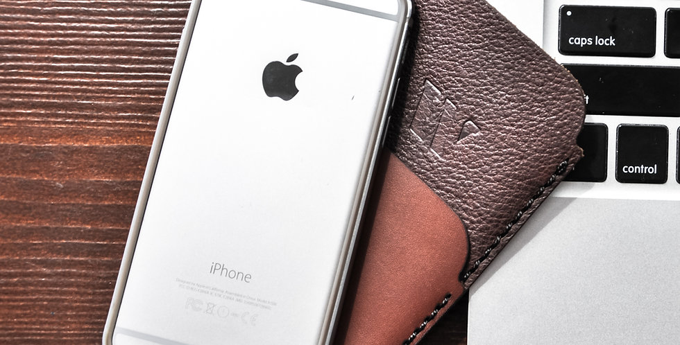 Кожаный чехол для телефона ручной работы