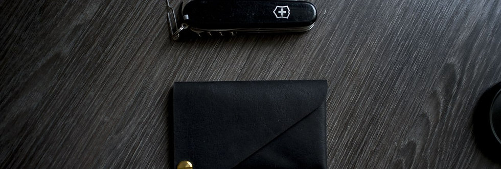 Дизайнерский холдер для карт ручной работы черного цвета