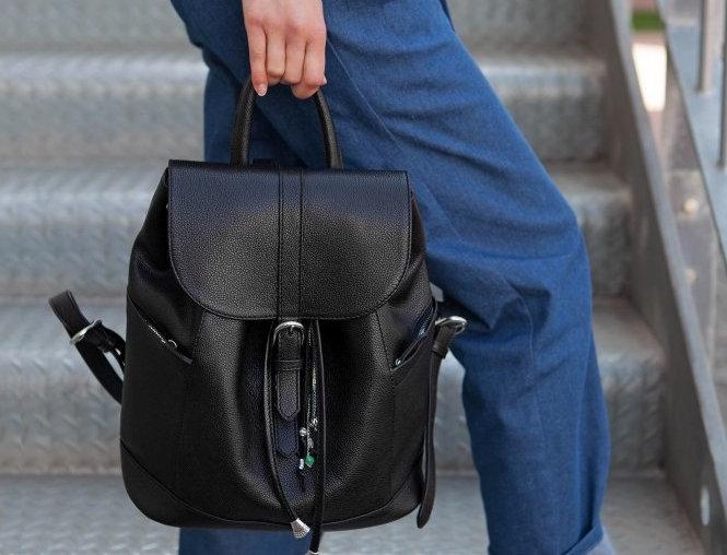 Кожаный рюкзак ручной работы черного цвета