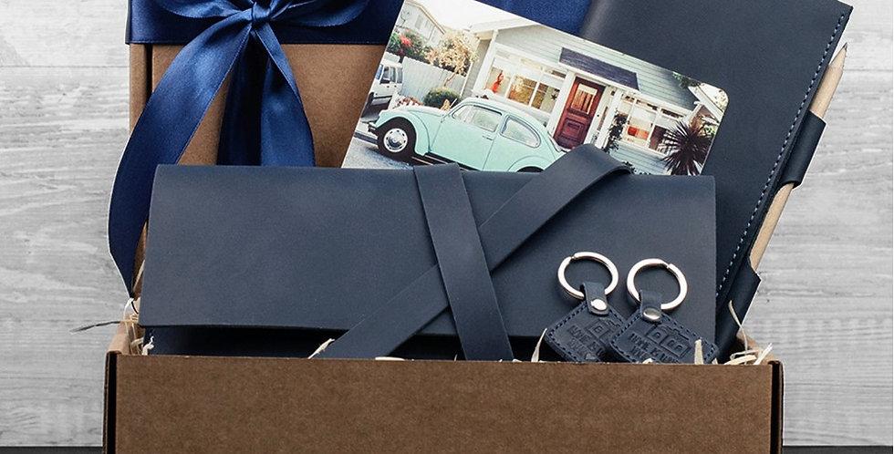 Подарочный набор аксессуаров ручной работы синего цвета