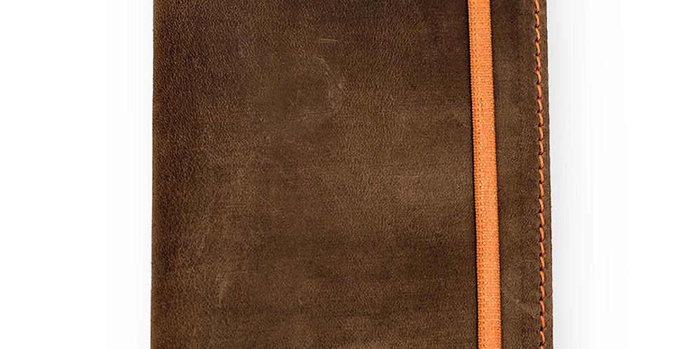 Кожаная обложка для паспорта ручной работы черного цвета