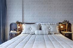 高級ベッドルームインテリア
