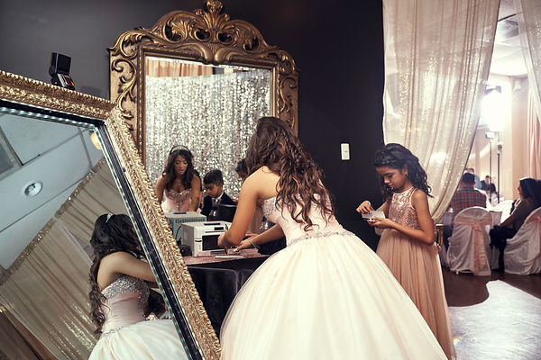 MIRROR BOOTH QUINCE.jpg