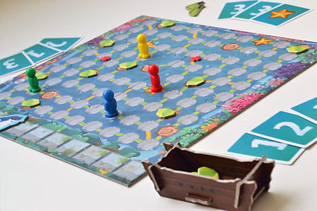 Indian board game run shark run zvata