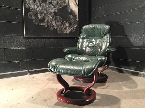Green Leather Leather Stressless Ekorness Chair and Stool