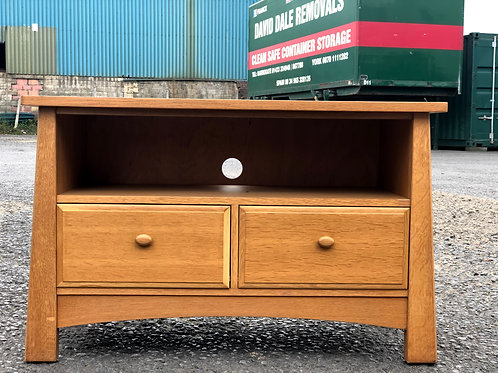 Quality Oak TV Cabinet by Sherry