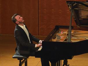 EIN PIANO-TALENT