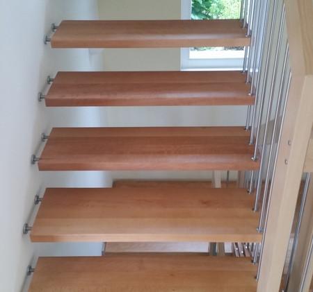 EFH Gempen, Treppe renoviert.jpg