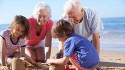 Family-on-the-beach-2