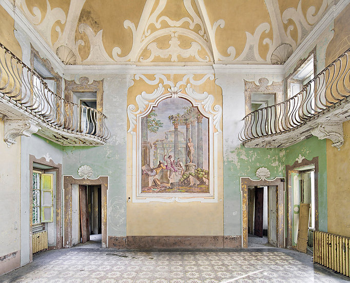 Abandoned Villa, Toscana, Italy 2012