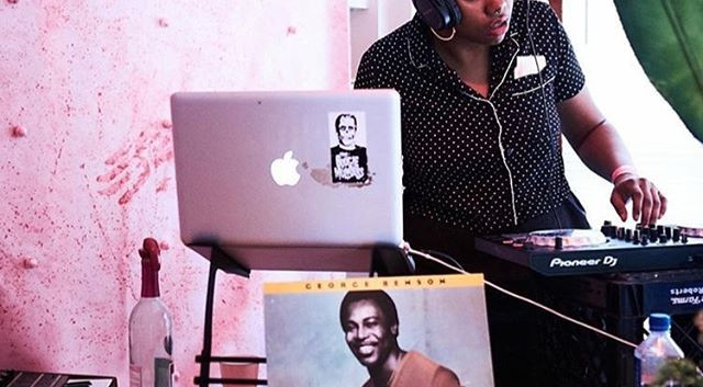 We had all qpoc DJs and if you couldn't come see em, you missed out 😉 Here's _ettaunofficial doin it right! Book her for a gig!
