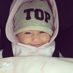 Instagram - V I T T O R I A 🔝🔝🔝🌸😍 #mediahora #mediahorakids #top #babytop #