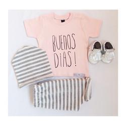 Instagram - BUENOS DIAS!🌟🎉 New new new⬅️⬅️ Glitter stripes! #mediahorakids #me