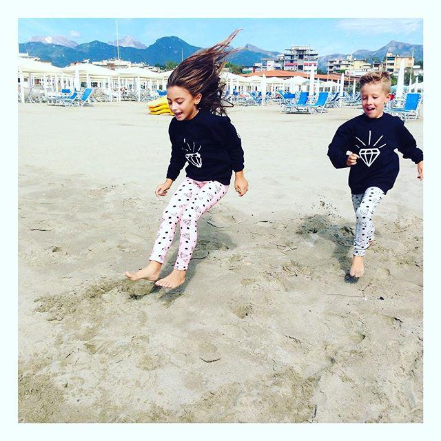 Instagram - Ready To Jump?!👫💪 #mediahorababy #mediahorakids #instakids #instal