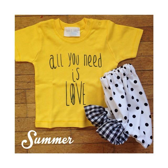 Instagram - H E R E C O M E S T H E S U N ☀️ #mediahora #mediahorakids #summer #